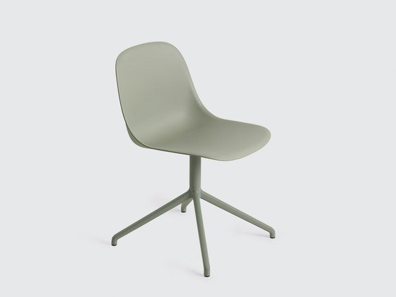 Внимание к деталям, выраженное в дизайне стульев «Fiber Side Chair»